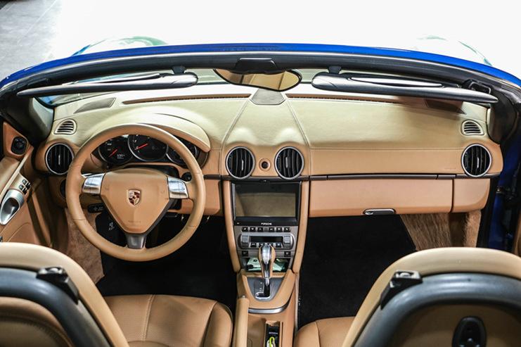 保时捷Boxster改智能触控大屏 LED日间车灯+尾灯